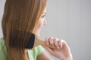 راهکارهای جلوگیری از ریزش مو